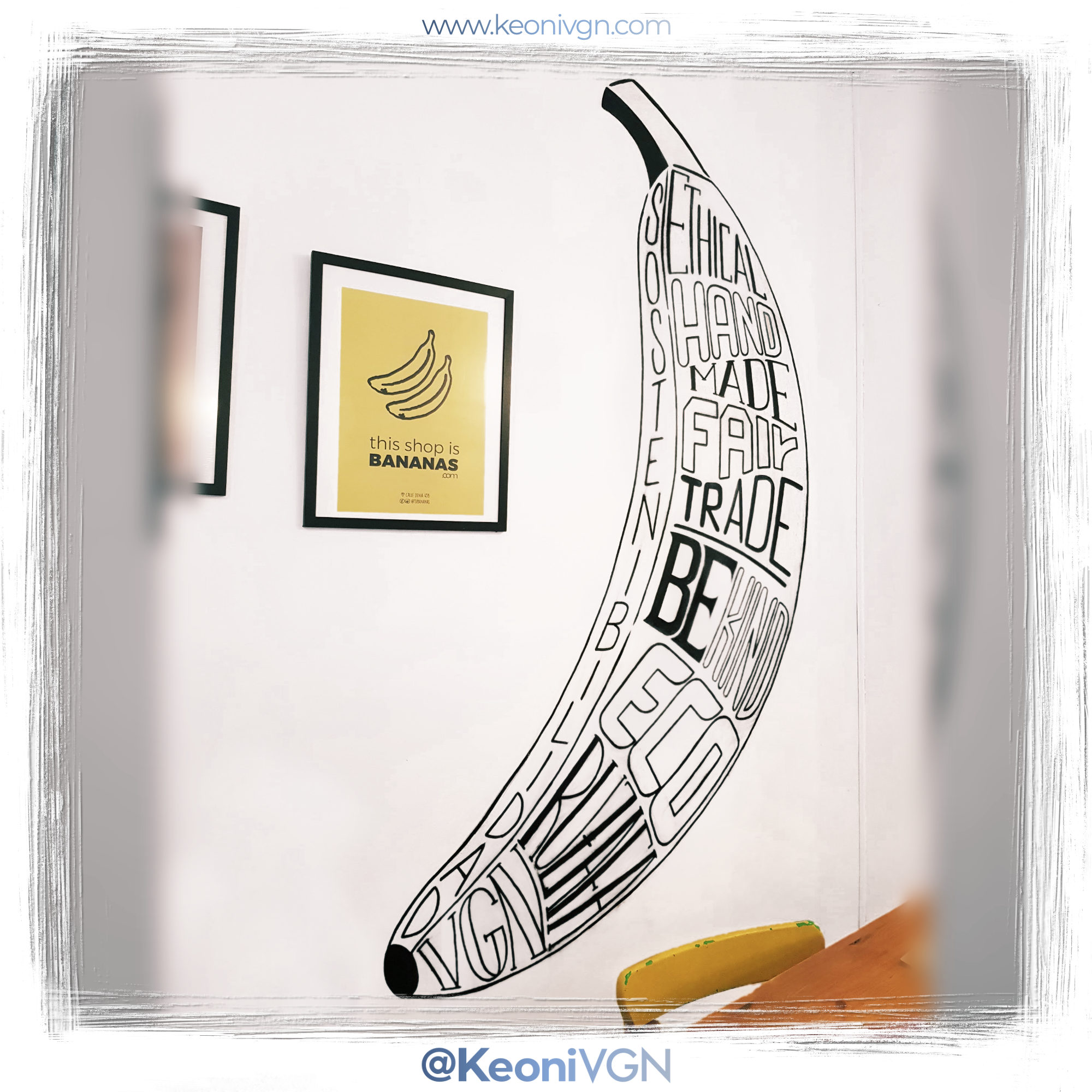 Mural Banana Lettering